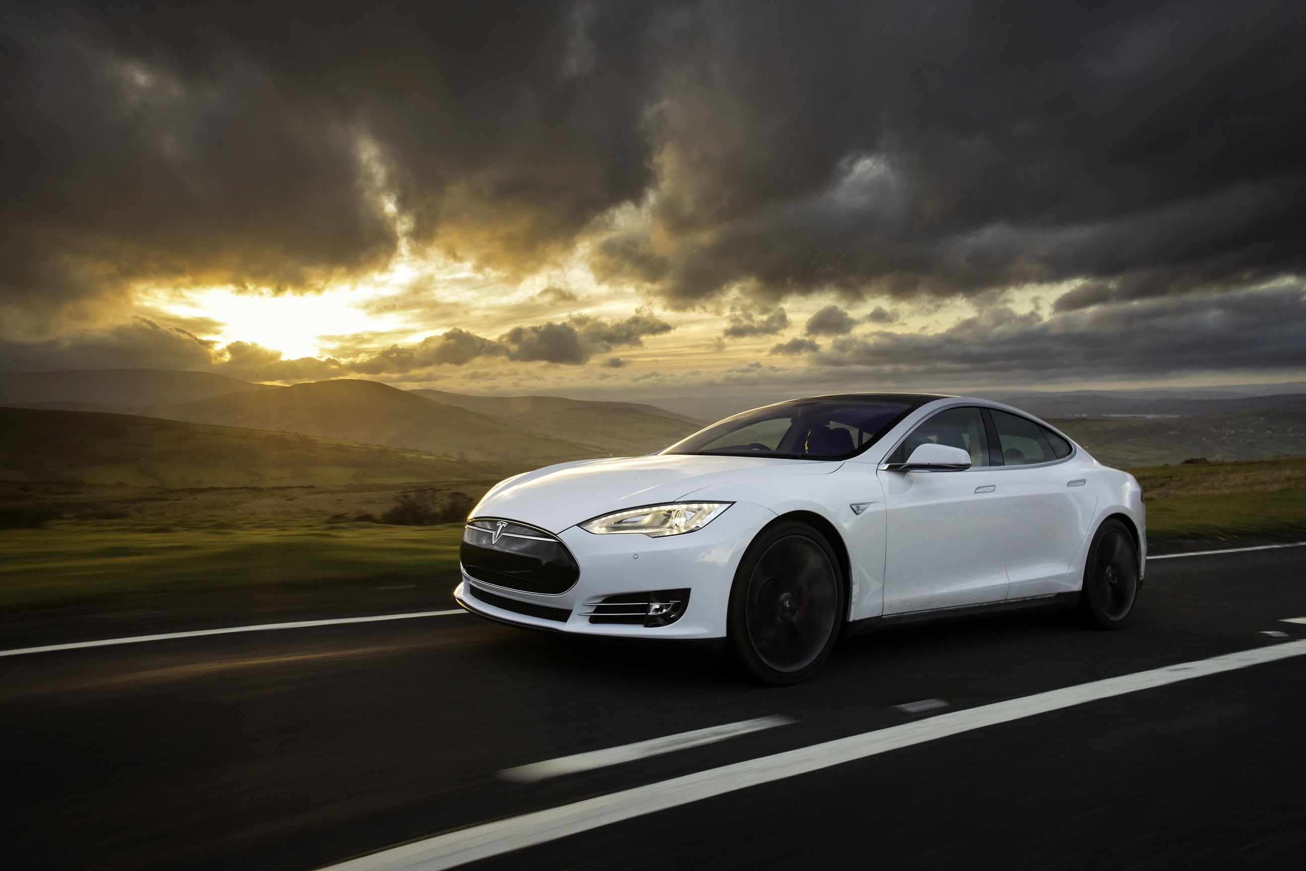 Tesla is one of the champions of autonomously guided cars
