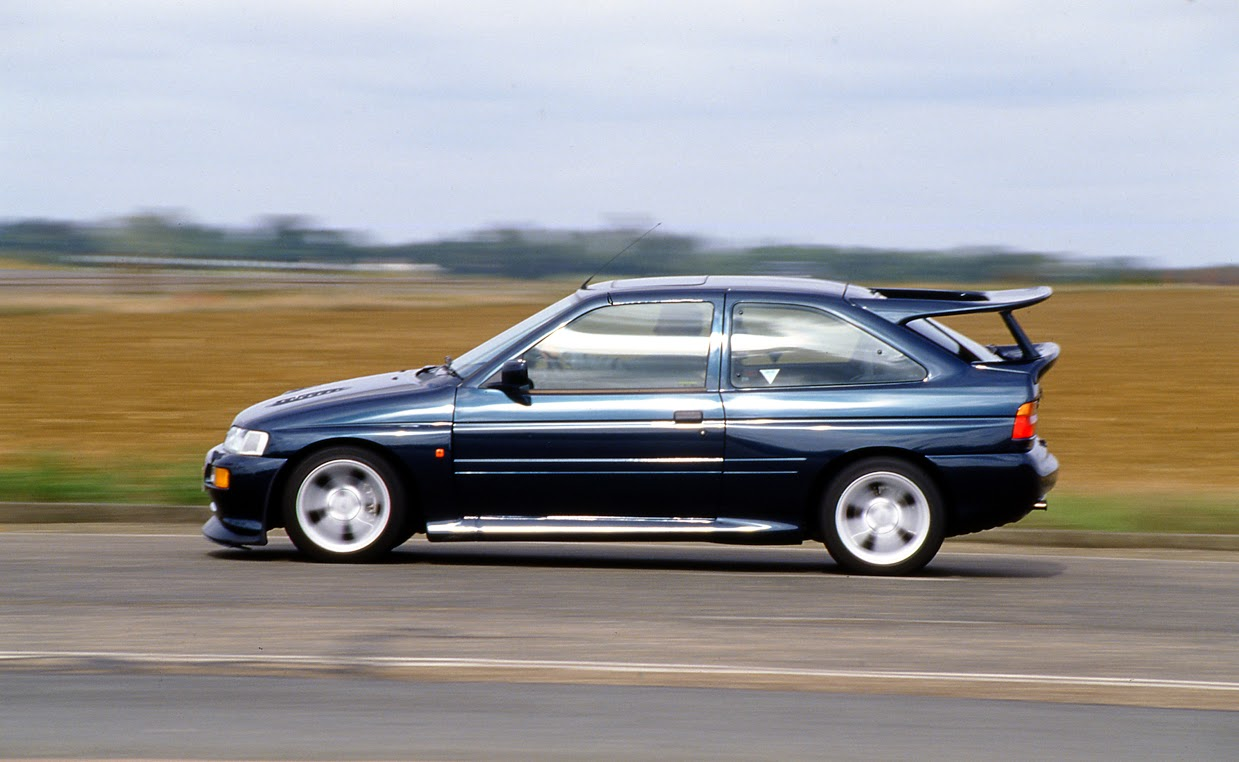 The Ford Escort RS Cosworth is the first car to be tackled by the new Wheeler Dealers duo